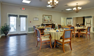 Troy assisted living dining hall