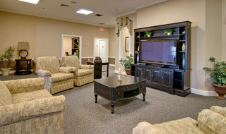 Troy assisted living tv lounge