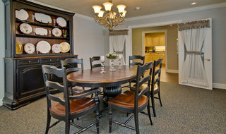 Community area for dining in henderson assisted living