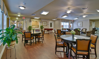 Henderson assisted living community dining