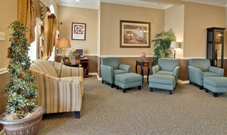 Huntingdon assisted living reading lounge