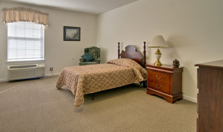 Marshall assisted living model bedroom