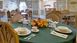 Services and amenities for senior living residents at Teal Lake.