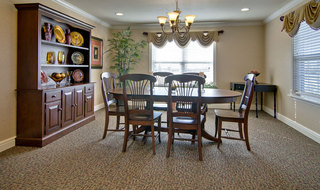 Dining table in assisted living community for seniors union city