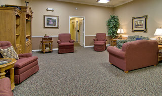 Seating area in union city for assisted living seniors