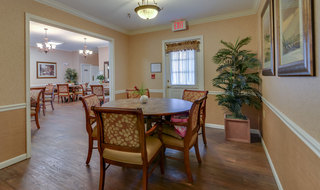 Dining room at jefferson city assisted living