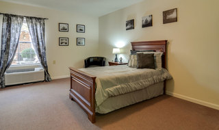 Jefferson city assisted living community model bedroom