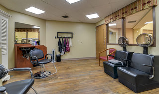 Salon for assisted living residents in kansas city