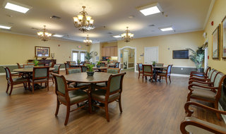 Columbia assisted living community dining area