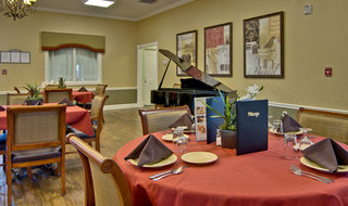 Assisted living dining services in fairview heights