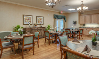 Dining area for seniors at memphis assisted living