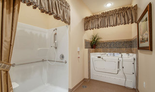 Memphis assisted living bathing
