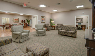 Memphis assisted living community seating