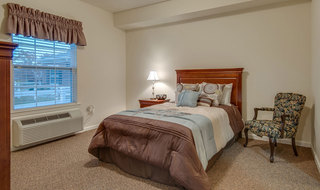 Model bedroom at assisted living memphis