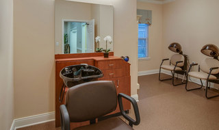 Salon in memphis for assisted living residents