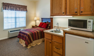 Model farmington assisted living bedroom