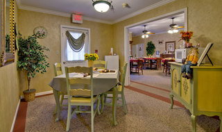 Columbia assisted living private dinning