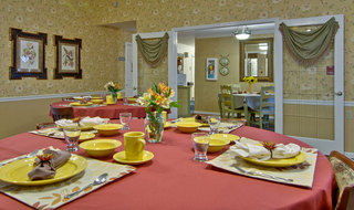 Dinning set columbia assisted living