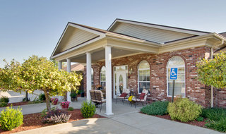Front entrance to columbia assisted living