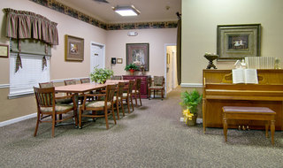 Community dining milan assisted living