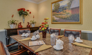 Pittsburg assisted living catered dining
