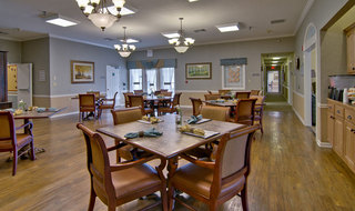 Fulton assisted living dining hall