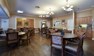 Dining hall clarksville assisted living