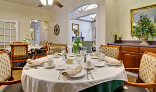 Set table milan assisted living
