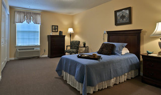 Single bedroom clarksville assisted living