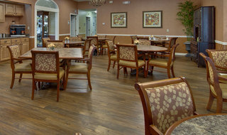 Nixa assisted living dinning hall