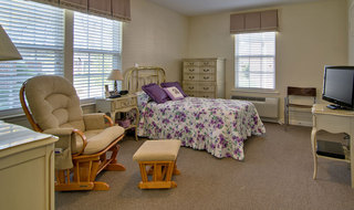 Single bedroom saint peters assisted living