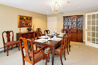 Assisted living dining maine