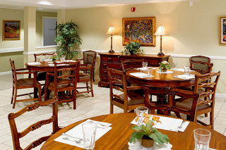 Clean senior living facility in maine