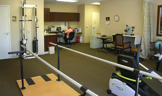 Senior living in Clay Center has modern therapy equipment
