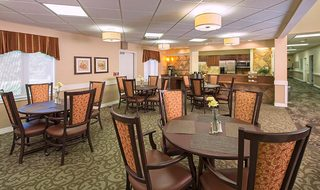 Dining room in Topeka senior living