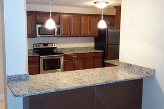 Large apartment kitchens in dracut