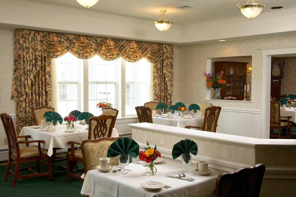 Hanover senior living dining