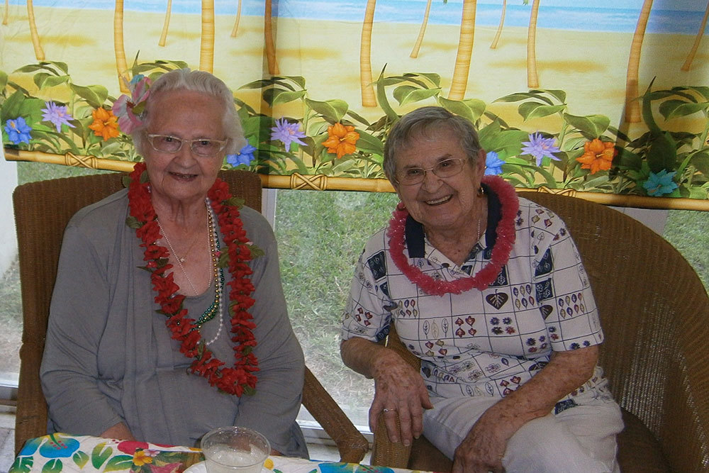 Happy senior living friends in nh
