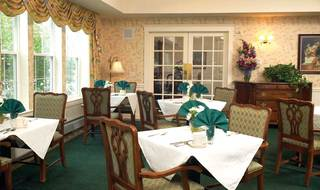 Windham nh senior living dining