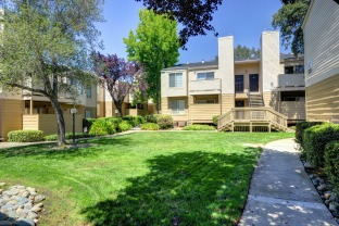 Cobblestone Creek Apartments in Roseville