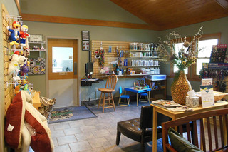 Animal hospital of signal mountain grooming and lobby
