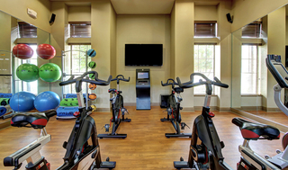 Well equipped fitness gym f