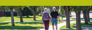 Residents walking around campus in meridian idaho 0773