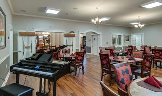 Piano in the st louis county assisted living dining room