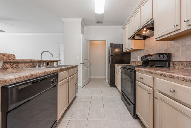 Schedule your tour of the lakes at brandon west today and see our apartment homes luxurious kitchens