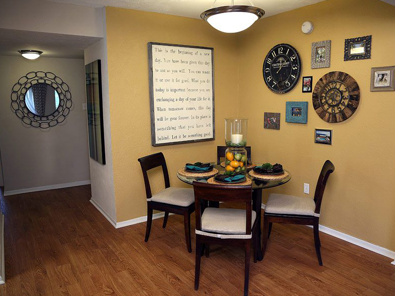 Dining room in Largo FL