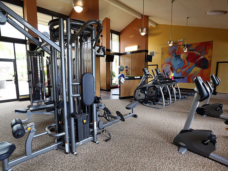 Fitness center weight machines in Largo FL