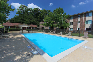 Rollingwood pool area img 9380