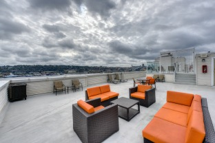 The Summit at Lake Union Apartments in Seattle, Washington