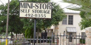 Mini store selfstorage